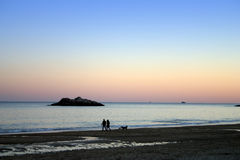 Puesta del sol de la playa del canto Fotos de archivo libres de regalías