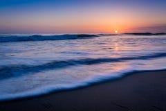 Puesta del sol de la playa del Océano Pacífico de Califnoria Imagen de archivo libre de regalías