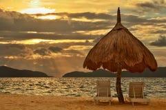 Puesta del sol de la playa del paraíso Imagen de archivo libre de regalías