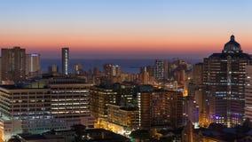 Puesta del sol de la salida del sol del paisaje urbano de Durban foto de archivo
