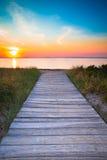 Puesta del sol de la trayectoria de la playa Fotos de archivo