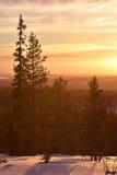 Puesta del sol de Laponia imagenes de archivo