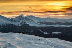 Puesta del sol de las montañas balcánicas Imágenes de archivo libres de regalías