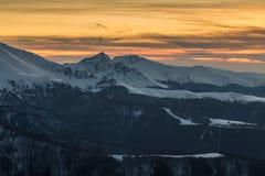 Puesta del sol de las montañas balcánicas Fotografía de archivo libre de regalías