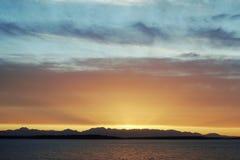 Puesta del sol de las montañas olímpicas Foto de archivo libre de regalías