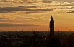 Puesta del sol de Lombardía, Italia Imagen de archivo libre de regalías