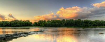 Puesta del sol de los rápidos del río Fotografía de archivo libre de regalías
