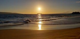 Puesta del sol de Molokini foto de archivo libre de regalías