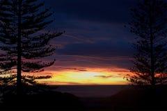 Puesta del sol de Nueva Zelanda Imagen de archivo libre de regalías