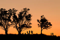 Puesta del sol de observación de la gente Fotos de archivo libres de regalías