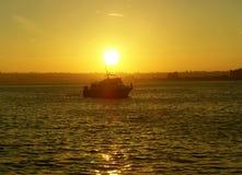 Puesta del sol de oro Imagen de archivo libre de regalías