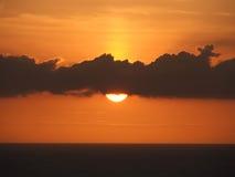 Puesta del sol de oro fotografía de archivo