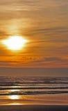 Puesta del sol de oro Imagen de archivo