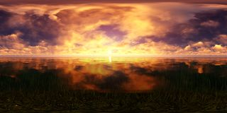 Puesta del sol de oro en el océano Foto de archivo libre de regalías