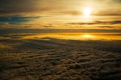 Puesta del sol de oro tranquila Foto de archivo