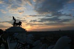Puesta del sol de Roma imagen de archivo libre de regalías