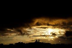 Puesta del sol de Sacre-Coeur, París, Francia Foto de archivo