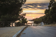 Puesta del sol de Sithonia Grecia imagenes de archivo