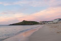 Puesta del sol de St Ives, playa de Porthmeor Fotos de archivo libres de regalías