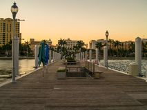 Puesta del sol de West Palm Beach en el embarcadero imagen de archivo libre de regalías