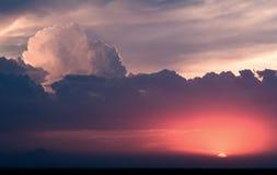 Puesta del sol del cúmulo Fotografía de archivo libre de regalías