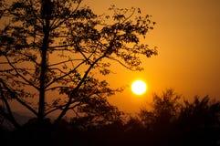 Puesta del sol del campo Imagen de archivo libre de regalías