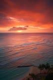 Puesta del sol del centro turístico de Waikiki Foto de archivo libre de regalías