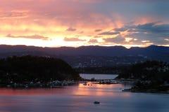 Puesta del sol del fiordo de Oslo imagenes de archivo