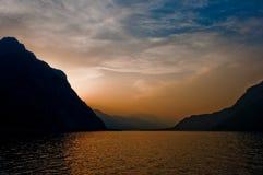 Puesta del sol del lago Como Fotos de archivo libres de regalías