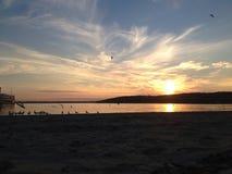 Puesta del sol del lago Lemán imagenes de archivo