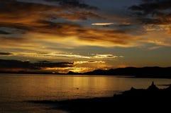 Puesta del sol del lago Namtso Fotos de archivo libres de regalías