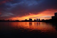 Puesta del sol del lago swan Fotos de archivo