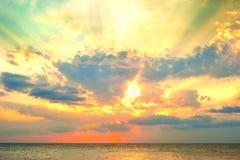 Puesta del sol del mar Fotos de archivo