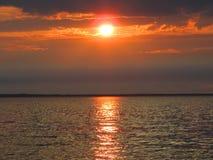 Puesta del sol del mar de la tarde fotografía de archivo