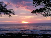 Puesta del sol 2 del mar de Tailandia Krabi Fotografía de archivo