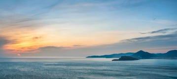 Puesta del sol del mar en Montenegro Foto de archivo libre de regalías