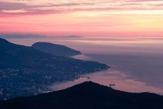 Puesta del sol del Mar Negro Crimea de la playa Foto de archivo libre de regalías