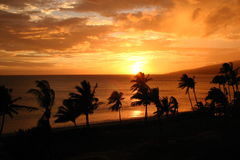 Puesta del sol del oeste de Maui   Imagen de archivo