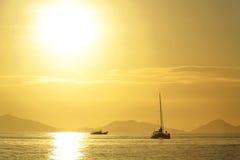 Puesta del sol del oro Imagen de archivo