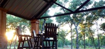 Puesta del sol del patio del rancho Foto de archivo libre de regalías