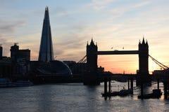 Puesta del sol del puente de la torre de Londres Foto de archivo