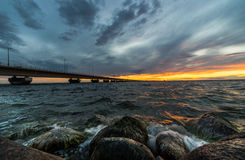 Puesta del sol del puente de Oland Fotos de archivo