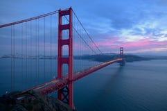 Puesta del sol del puente de puerta de oro Fotos de archivo libres de regalías