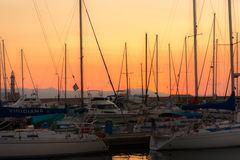 Puesta del sol del puerto del yate Fotos de archivo libres de regalías