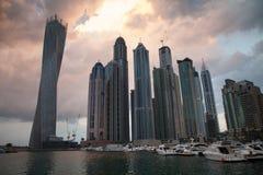 Puesta del sol del puerto deportivo de Dubai imagen de archivo libre de regalías