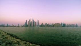 Puesta del sol del puerto deportivo de Dubai metrajes