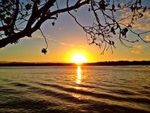 Puesta del sol del río de Noosa Imágenes de archivo libres de regalías