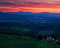 Puesta del sol del rojo de Toscana Imagenes de archivo