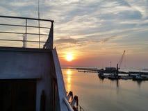 Puesta del sol del transbordador Fotos de archivo