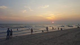 puesta del sol del twiligth en la playa Foto de archivo libre de regalías